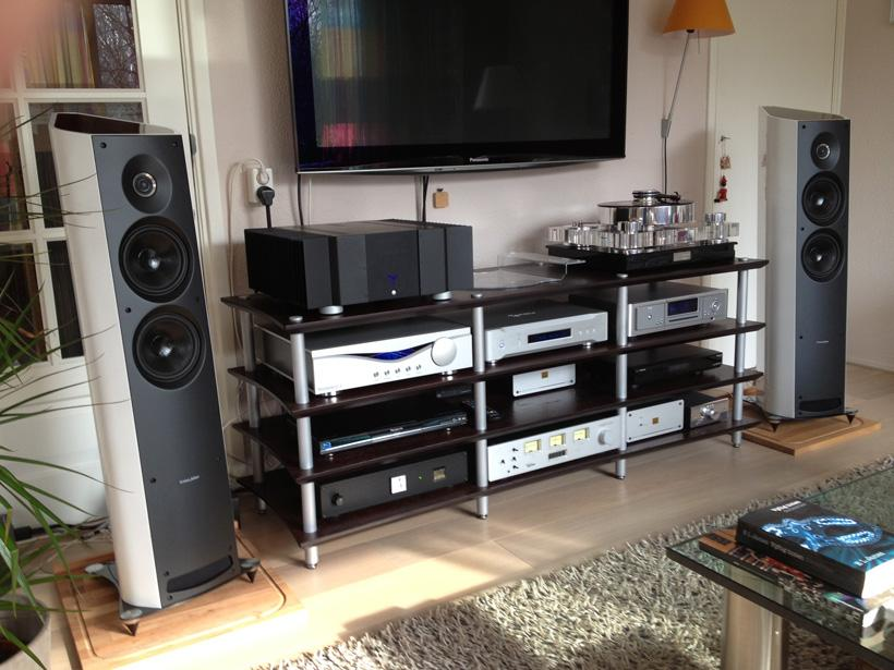 Sonus faber Venere 1 5 & 2 5 | The Ear